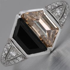 Perfect art deco engagement ring for your Gatsby proposal