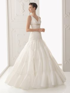 Alma Novia Bridal Gown Style Sal Vintage Wedding Dress: DimitraDesigns.com (LOVE IT)