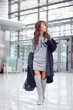 theclassycloud-aboutyoude-casual-outfit-calvin-klein-sweatshirt-dress-10-von-11