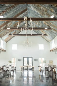 Farmhouse Style Wedding Inspiration At Five Oaks Farm Barn In Cleburne Texas