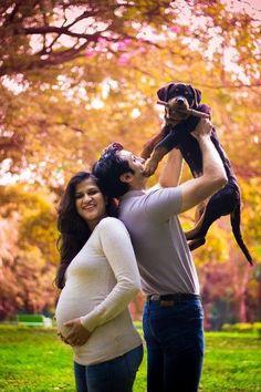 Disseram para eles se livrarem dos cães quando ela ficou grávida. Ao invés de escutá-los, eles fizeram isto... - ÓtiMundo!