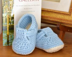 Crochet Pattern Baby Booties with Scallops Baby by matildasmeadow