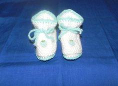 scarpine neonato fatte a mano in lana, by Nuvola rossa, 4,50 € su misshobby.com