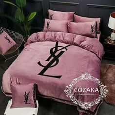 Luxury Bedroom Sets, Luxurious Bedrooms, Bed Cover Sets, Bed Covers, Room Ideas Bedroom, Bedroom Decor, Designer Bed Sheets, Girl Room, Bedding Sets