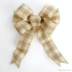 How to Make a Bow for a Wreath - Easy! Diy Bow, Diy Ribbon, Ribbon Bows, Ribbons, Ribbon Hair, Hair Bows, Boxwood Wreath Diy, Diy Wreath, Make A Wreath Bow