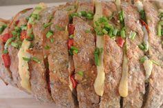 Een heerlijk gevuld brood waarbij we gekozen hebben voor boursin, kaas, paprika, kipfilet, rode peper en bieslook.