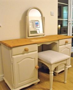 Lovely Dressing Table with Mirror & Stool in Autentico Paint Cocos