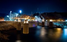 Amazing view of Hoover Dam from  Lake Mead.   For more information visit - http://www.guiddoo.com/