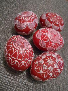 červené reliéfne kraslice, Veľkonočné dekorácie   Artmama.sk