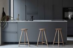 Nikari Launches the Perch Stool, the Winner of the First FDS Award - Nordic Design Design Furniture, Kitchen Furniture, Kitchen Interior, Kitchen Decor, Wooden Furniture, Scandinavian Kitchen, Scandinavian Design, Kitchen Renovation Inspiration, Kitchen Bar Design