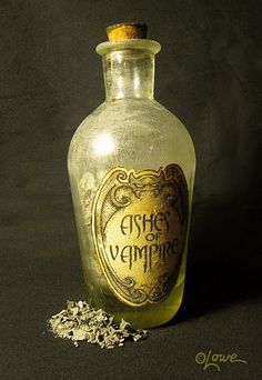 ✯ Ashes of Vampire ✯ make some ashes out of paper, add in a tranparent bottle with a nice old look logo halloween manualidades Gothic Charm School: pretty things Halloween Prop, Holidays Halloween, Halloween Crafts, Happy Halloween, Halloween Decorations, Vintage Halloween, Halloween Pumpkins, Halloween Rules, Halloween Designs