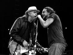 Neil Young & Eddie Vedder