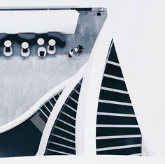 Minimal Monday: Staircase layers at the Charles Perkins Centre, USYD - [[photo by , thank you for tagging and taking this wonderful shot! University Of Sydney, Minimalism, Centre, Layers, Layering