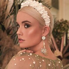 Buy the Bridal Trend-Pearl headbands - Perfete Large Pearl Crown headband Wedding Hair and Beauty Bride makeup and accessories # Wedding Headband, Halo Headband, Bridal Crown, Headband Hairstyles, Wedding Hairstyles, Bride Headband, Beach Hairstyles, Quinceanera Hairstyles, Men's Hairstyle