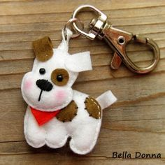 Risultati immagini per felt dog ornaments Felt Crafts, Fabric Crafts, Sewing Crafts, Sewing Projects, Hobbies And Crafts, Diy And Crafts, Felt Keychain, Felt Dogs, Felt Christmas Ornaments
