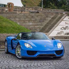 Feeling blue?  #ItsWhiteNoise #Porsche #918 @jk.automotive