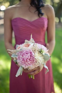 Pretty color combo.  Love the bouquet!