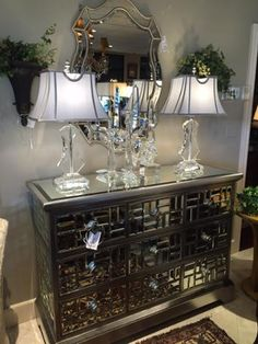 How can you not #love this is a fantastic #mirroredchest by #JohnRichards!? #InteriorDesigner #LindaCaruso shows off this beautiful piece because it would add an immense touch of #glamour to a #grandentry #foyer! Own it today ;) #InteriorDesign #MirrorChest #LuxuryFurniture #Furniture #HomeDesign #StunningHome #Design #HouseToHome #LuxuryHomes #Glamourous   For more information visit www.WHLuxe.com
