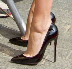 Nice heels for the art gallery as long as it's not a two mile walk there Sexy Legs And Heels, Platform High Heels, Black High Heels, Nice Heels, Black Stiletto Heels, High Heels Stilettos, High Heel Boots, Extreme High Heels, Beautiful High Heels