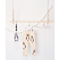 Lastenhuoneeseen valmistui kauan DIY-listalla ollut pieni vaaterekki    Takana seinällä oleva massapalloista tehty nauha, etsii vielä sopivaa paikkaansa. Nuita lapset tykkää meillä askarrella   #diy #vaaterekki #ompelu #saumanvara #minirodini #tuutilullafi #kortti @tuutilulla.fi  #askartelu #lastenhuone #kidsroom #instakodit Kids Room Design, Creative Inspiration, Kids And Parenting, Clothes Hanger, Baby Room, Diy And Crafts, Nursery, Home, Creativity