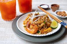 Video tutorial of how to make Pad Thai