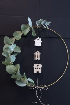 DIY : Golden door wreath for christmas. How to make a homemade door wreath with eucalyptus