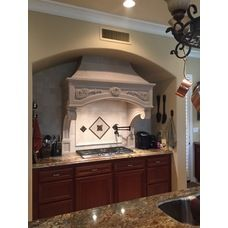 Old World Stoneworks Florentine Range Hood With No Crown.