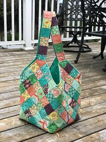 I attended my first quilting guild meeting last month and saw several ladies with these amazing patchwork bags. I inquired about an availab. Crazy Patchwork, Patchwork Bags, Bag Patterns To Sew, Quilted Purse Patterns, Handbag Patterns, Sewing Patterns, Quilted Tote Bags, Knitting Blogs, Quilting Designs