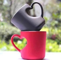 Heart Shape Handle Design Tea and Coffe Cup with Black and Red color Cosas de Casa,decor,For the Home,pottery ideas, Cute Coffee Mugs, Coffee Love, Tea Mugs, Coffee Shop, Coffee Cups, Sweet Coffee, Coffee Maker, Drink Coffee, Starbucks Coffee