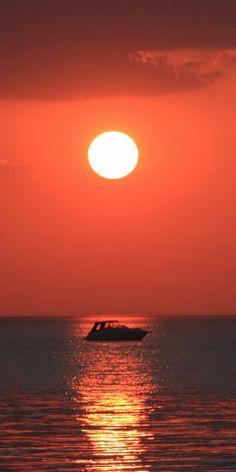 Where do you enjoy watching the sun set? #paradise #sunset