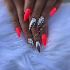 Nail art Christmas - the festive spirit on the nails. Over 70 creative ideas and tutorials - My Nails Shoe Nails, Stiletto Nails, Coffin Nails, Cute Acrylic Nails, Fun Nails, Sparkle Nails, Pastel Nails, Gorgeous Nails, Pretty Nails