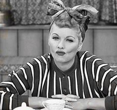 Lucille Ball in I Love Lucy. Classic Hollywood, Old Hollywood, Hollywood Glamour, Lucy And Ricky, Lucy Lucy, Queens Of Comedy, Lucille Ball Desi Arnaz, Actrices Hollywood, Cultura Pop