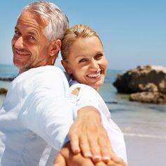 Quais os principais requisitos para aposentadoria na Regra 85/95 progressiva? => Não há idade mínima => Soma da idade  tempo de contribuição: .......... 85 anos (mulher) .......... .......... 95 anos (homem) .......... => 180 meses efetivamente trabalhados para efeito de carência