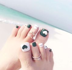 Toe Nail Designs give certain elegance to any woman's feet. Toe nail designs are beautiful and they complete the fashion look on every pedicure. Neon Toe Nails, Glitter Toe Nails, Fall Toe Nails, Purple Toe Nails, Black Toe Nails, Pretty Toe Nails, Cute Toe Nails, Summer Toe Nails, Feet Nails