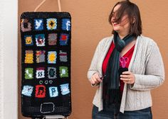 The Dapper Toad interviews Knits for Life about her iphone yarnbombed pay phone.
