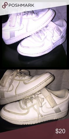 NIKE SHOE SIZE 6Y YOUTH WOMENS SHOES PRE-OWNED