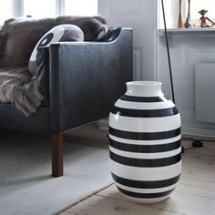 Vase Omaggio 50 cm - noir - Kähler