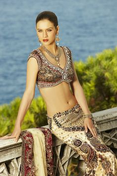 Maria Sokolovski in Seasons India collection 2009