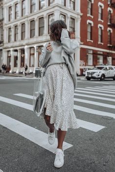 15 Ideas sneakers street style winter sweater dresses Source by dresses with sneakers Fashion Blogger Style, Look Fashion, Autumn Fashion, Fashion Blogs, Fashion Stores, Grey Fashion, Cheap Fashion, Korean Fashion, Fashion Brands