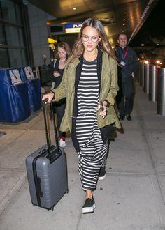 Kate Moss, Karlie Kloss, Bella & Gigi Hadid... Zoom sur les plus beaux looks de rue portés cette semaine par les filles en vogue.