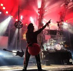 . Too Fast For Love, Nikki Sixx, Bad Boys, World, Concert, Music, Addiction, Musica, Musik