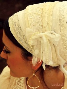 Bridal Beige Vintage Lace Exclusive Sinar Tichel -Headcovering was designed by Michal (shablula brand name) . This headcovering can be purch...