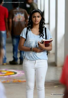 Keerthi Suresh - Keerthi Suresh Photos, Keerthi Suresh Stills Most Beautiful Indian Actress, Beautiful Actresses, Beauty Full Girl, Beauty Women, White Jeans Outfit, Stylish Girl Images, Girl Photo Poses, Indian Beauty Saree, Indian Celebrities
