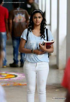 Keerthi-Suresh-in-Idhu-Enna-Maayam-Movie--(2