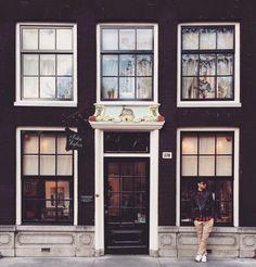 #hanger89blog #fashionphotography #fashionblogger #greekblogger #amsterdam #vanhanger #AntonHeyboer #Prinsengracht