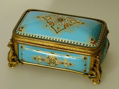 enamelware tin from Paris 1860  repinned by http://pinterest.com/myinfosnap