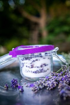 Časlevandule: Udělejte zníkrásné dekorace ilimonády - Proženy Lavender Cottage, Lavander, Herbal Remedies, Preserves, Detox, Herbalism, Yummy Food, Homemade, Cooking