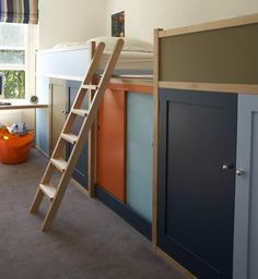 Nice Paint for Doors on Kura bed (Ikea). And the bed is not too high, even for not so high ceilings. Bunk Beds Built In, Bunk Beds With Storage, Kids Bunk Beds, Bed Storage, Loft Beds, Hidden Storage, Storage Area, Extra Storage, Cama Ikea Kura