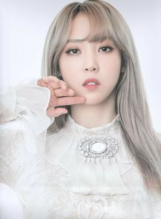 Happy 25th birthday to the lovely Moon Byul Yi (Moonbyul). Main rapper, main dancer, vocalist and visual for MAMAMOO.