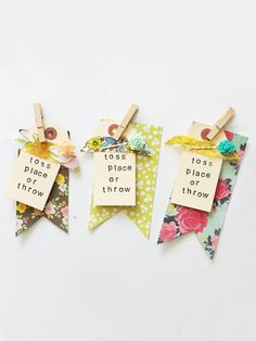 bombtags Paper Tags, Diy Paper, Seed Bombs, Wildflower Seeds, Pretty Packaging, Scrapbook Embellishments, Diy Scrapbook, Scrapbooking Ideas, Diy Gifts